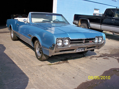 66 Olds 442 - Chuck